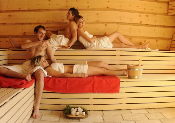Sauna finlandese nella baita alpina