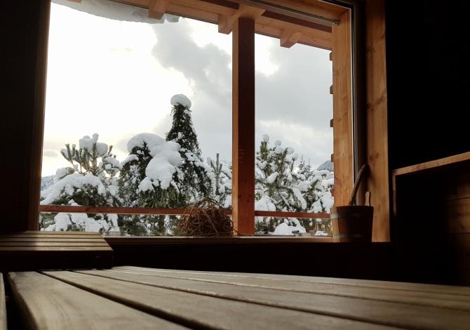 Sauna finlandese esterna in inverno
